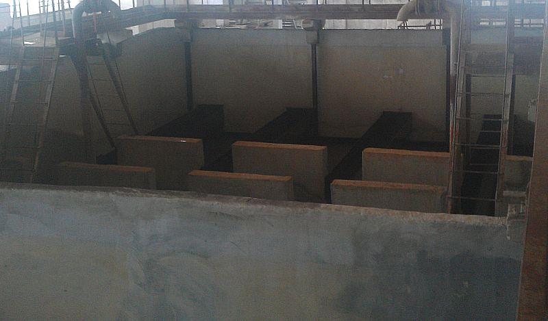 Общий вид фильтра станции водоподготовки в период работ